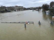 Catástrofe da natureza de Paris fotografia de stock