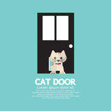 Cat Passing Through The Door per il gatto Immagine Stock Libera da Diritti