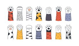 Free Cat Paws. Doodle Animal Foot, Cute Cartoon Kitten And Puppy Paws, Wild And Domestic Animals Foots. Vector Kitty And Dog Royalty Free Stock Photos - 160345878