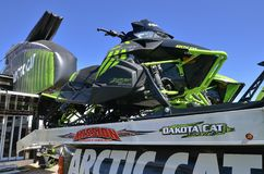 Cat Snowmobiles artica visualizzata all'Expo Fotografie Stock