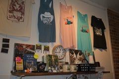 Cat Themed Merchandise - Mewsic Kitty Cafe royaltyfria bilder