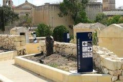 Catacomben van St Paul, ingangen van de de plaats de afzonderlijke tunnel van Malta Royalty-vrije Stock Foto's