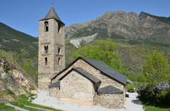 Catalan romansk kyrka i vallen de Boi arkivbild