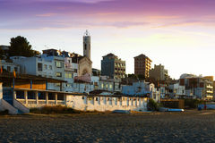 Catalan stad på den medelhavs- kusten i morgon Montgat Royaltyfri Fotografi