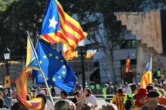 Catalan symboler på den Diada självständighetmanifestationen Arkivfoto