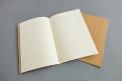 Catalogo in bianco, rivista, modello del libro con le ombre molli aspetti Fotografie Stock Libere da Diritti