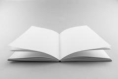 Catalogo in bianco, rivista, modello del libro con le ombre molli aspetti Fotografia Stock