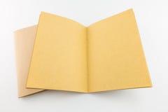 Catalogo d'annata in bianco, rivista, modello del libro con le ombre molli Fotografia Stock