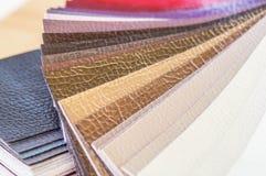 Catalogus van multicolored kunstleer van de textuurachtergrond van de matwerkstof, de textuur van de kunstleerstof stock foto