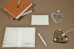 Catalogusontwerp writing brieven royalty-vrije stock afbeeldingen