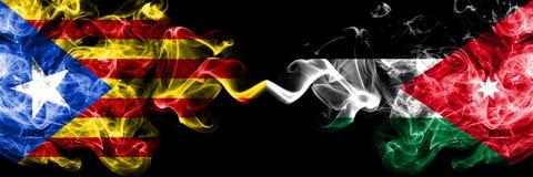 Catalonië versus Jordanië, Jordanian zij aan zij geplaatste rookvlaggen Dik gekleurde zijdeachtige Jordanian rookvlaggen van Cata vector illustratie