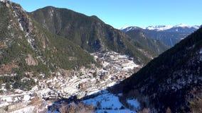 Catalonia Andorra los angeles Vella, g?rska wioska z perkkasnym widokiem g?rskim zbiory wideo