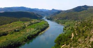 Catalonia, Hiszpania Ebro Rzeczna dolinna sceniczna panorama Obraz Stock