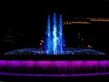 Catalunya quadra - Barcellona, Spagna - la fontana alla notte Fotografia Stock Libera da Diritti