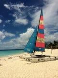 Catamarán de la afición en una playa en Barbados Fotos de archivo libres de regalías