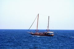 Catamarán en el mar Imágenes de archivo libres de regalías