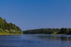 Catamarán en el río Foto de archivo