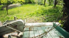 Catamarán oxidado viejo metrajes