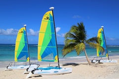 Catamarã do gato de Hobie pronto para turistas na praia de Bavaro em Punta Cana Fotografia de Stock Royalty Free