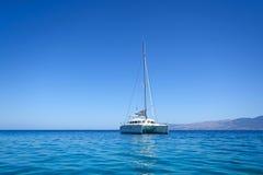 Catamaran de navigation photos libres de droits