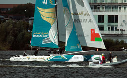 Catamaran żeglowanie w Cardiff zatoce Obraz Royalty Free