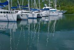 Catamaranes en el puerto deportivo Foto de archivo libre de regalías