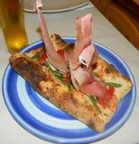 Catamarano della pizza al ristorante L'Approdo nell'isola di Capri Fotografia Stock
