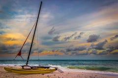 Catamarano incagliato Fotografia Stock