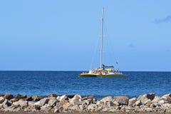 Catamarano turistico in st San Cristobal, caraibico Immagini Stock Libere da Diritti