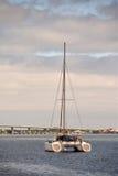 Catamarano vicino a St Augustine immagine stock