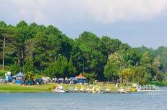 Catamaranpost in Xuan Huong Lake, Dalat, Vietnam Stock Foto's