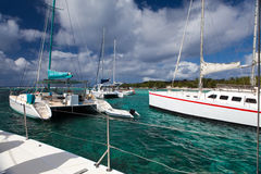 Catamarans dichtbij het eiland Gabriel.Mauritius. stock afbeeldingen