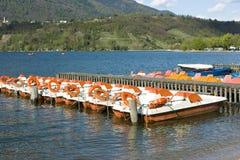 Catamarans sur le lac Caldonazzo Image libre de droits