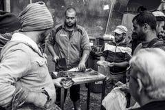 Catane, pêcheur italien sur la poissonnerie Images libres de droits