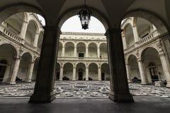 Catania, piazza UniversitÃ, chiostro Fotografie Stock Libere da Diritti