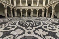 Catania, praça UniversitÃ, chiostro imagem de stock