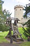 Catapulta de Medival en el castillo del warwick Foto de archivo
