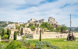 Catapulta em Les Baux-de-provence, França fotos de stock royalty free