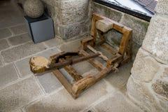 Catapulte dans un château médiéval image stock