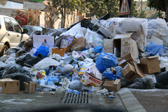 Catastrophe de déchets au Liban Photographie stock libre de droits