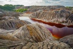 Catastrophe de nature, terre sans vie avec de l'eau l'eau polluée image libre de droits