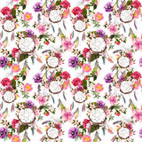 Catcher ονείρου, λουλούδια, φτερά πρότυπο άνευ ραφής watercolor στοκ φωτογραφία με δικαίωμα ελεύθερης χρήσης