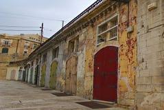 老大厦和维多利亚Cate在瓦莱塔盛大港口  免版税图库摄影