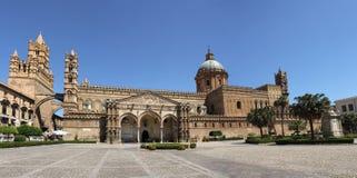 Catedral Imagen de archivo libre de regalías