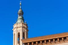 A Catedral-basílica de nossa senhora da coluna - uma igreja católica romana, Zaragoza, Espanha imagem de stock