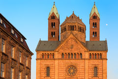 Catedral con los cielos azules, Alemania de Speyer Fotos de archivo libres de regalías