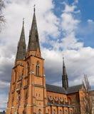 Catedral contra el cielo fotos de archivo