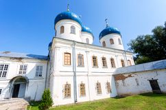 Catedral cruzada santa 1763 en el ` s Yuriev Orthodo de San Jorge Fotografía de archivo libre de regalías