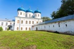 Catedral cruzada santa 1763 en el ` s Yuriev Orthodo de San Jorge Foto de archivo