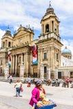 Catedral da Cidade da Guatemala em Plaza de la Constitucion, Guatema imagens de stock
